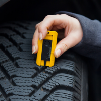 Measuring tire tread